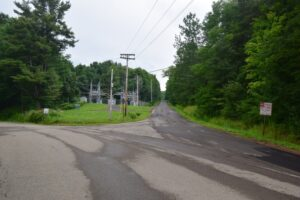 Intersection of 4th St (right), Liebler Hill Rd (left) and E. Branch Bucktooth Hollow Rd (behind).  Electric sub-station at the corner.